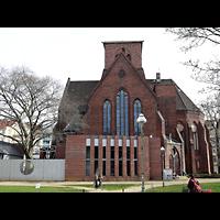 Berlin - Neukölln, Genezareth-Kirche, Außenansicht von der Seite