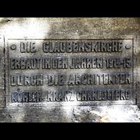 Berlin-Tempelhof, Glaubenskirche, Tafel mit Hinweis auf die Architekten