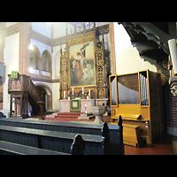 Berlin - Mitte, Golgathakirche (Hauptorgel), Altarraum mit kleiner Orgel