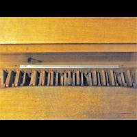 Berlin - Mitte, Golgathakirche (Hauptorgel), Pedal der kleinen Orgel