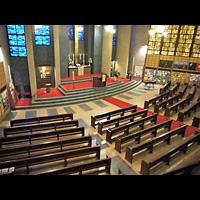 Berlin (Charlottenburg), Gustav-Adolf-Kirche, Blick von der Orgelempore in die Kirche