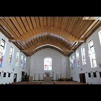 Berlin - Charlottenburg, Heilig-Geist-Kirche (Westend), Innenraum in Richtung Altar