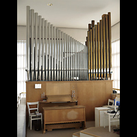 Berlin - Neukölln, Herrnhuter Brüdergemeinde, Orgel mit Spieltisch