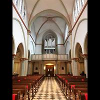 Berlin (Charlottenburg), Herz-Jesu-Kirche, Innenraum in Richtung Orgel