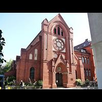Berlin (Charlottenburg), Herz-Jesu-Kirche, Außenansicht der Kirche