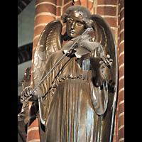 Berlin (Zehlendorf), Herz-Jesu-Kirche, Figur an einer Säule
