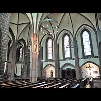 Berlin (Zehlendorf), Herz-Jesu-Kirche, Innenraum seitlich