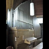 Berlin - Neukölln, Johann-Christoph-Blumhardt-Kirche, Orgel seitlich