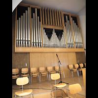 Berlin - Zehlendorf, Johanneskirche Schlachtensee, Orgel seitlich