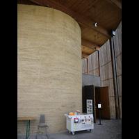 Berlin - Mitte, Kapelle der Versöhnung, Gang im Eingangsbereich
