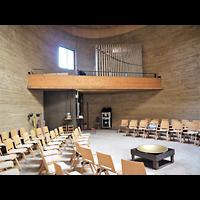 Berlin - Mitte, Kapelle der Versöhnung, Innenraum in Richtung Orgel