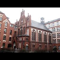 Berlin - Pankow, Katharinenstift, Mater Dolorosa (ehem. St. Gertrud), Außenansicht der Kirche