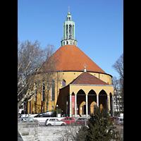 Berlin - Tempelhof, Kirche auf dem Tempelhofer Feld, Außenansicht der Kirche