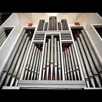 Berlin - Tempelhof, Kirche auf dem Tempelhofer Feld, Orgel perspektivisch