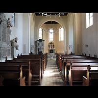 Berlin - Zehlendorf, Kirchen am Stölpchensee, Innenraum in Richtung Altar