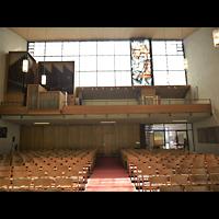 Berlin - Zehlendorf, Kirche zur Heimat, Innenraum in Richtung Orgel