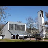 Berlin - Zehlendorf, Kirche zur Heimat, Außenansicht der Kirche
