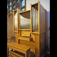 Berlin - Treptow, Krankenhaus Hedwigshoehe, Kapelle (Alexianer), Orgel seitlich