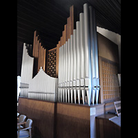 Berlin - Hellersdorf, Kreuzkirche Mahlsdorf, Orgel seitlich