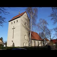 Berlin - Hellersdorf, Kreuzkirche Mahlsdorf, Außenansicht der Kirche