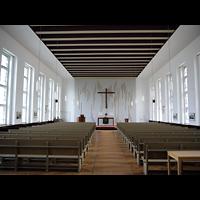 Berlin - Friedrichshain, Lazarushaus, Innenraum in Richtung Altar