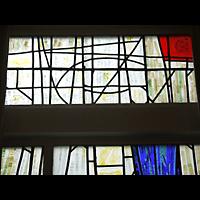 Berlin - Schöneberg, Luther-Kirchsaal, Bunte Glasfenster