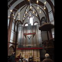 Berlin - Spandau, Lutherkirche, Innenraum in Richtung Orgel
