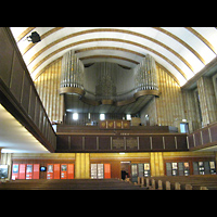 Berlin (Tempelhof), Martin-Luther-Gedächtniskirche, Innenraum in Richtung Orgel