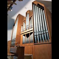 Berlin - Neukölln, Martin-Luther-Kirche, Orgel seitlich