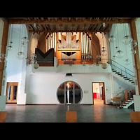 Berlin - Neukölln, Martin-Luther-Kirche, Innenraum in Richtung Orgel