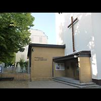 Berlin - Neukölln, Pauluskirche (SELK), Außenansicht von vorne