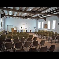 Berlin - Neukölln, Philipp-Melanchthon-Kapelle, Innenraum in Richtung Altar