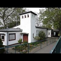 Berlin - Neukölln, Philipp-Melanchthon-Kapelle, Außenansicht schräg
