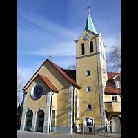 Berlin - Wilmersdorf, St. Petrus (Priesterbruderschaft St. Pius X), Fassade mit Turm