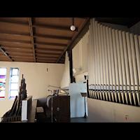 Berlin - Wilmersdorf, Salvatorkirche Schmargendorf, Orgel mit Spieltisch