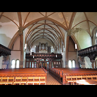 Berlin - Friedrichshain, Samariterkirche, Innenraum in Richtung Orgel