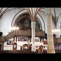 Berlin - Lichtenberg, St. Antonius und St. Shenouda Kirche (koptisch), ehem. Glaubenskirche, Innenraum in Richtung Orgel