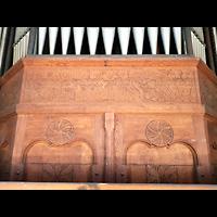 Berlin - Lichtenberg, St. Antonius und St. Shenouda Kirche (koptisch), ehem. Glaubenskirche, Schnitzwerk am Prospekt