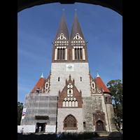Berlin - Lichtenberg, St. Antonius und St. Shenouda Kirche (koptisch), ehem. Glaubenskirche, Außenansicht mit Doppelturmfassade