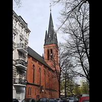 Berlin (Neukölln), St. Clara, Außenansicht mit Turm von der Seite