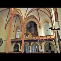 Berlin (Neukölln), St. Clara, Innenraum in Richtung Orgel
