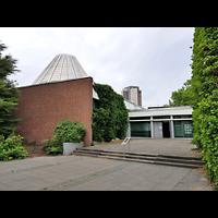 Berlin - Neukölln, St. Dominicus Gropiusstadt, Außenansicht der Kirche