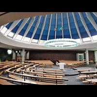 Berlin - Neukölln, St. Dominicus Gropiusstadt, Innenraum mit Altar und Orgel