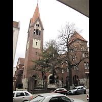 Berlin - Neukölln, St. Eduard, Außenansicht mit Turm