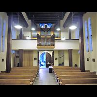 Berlin - Köpenick, St. Franziskus Friedrichshagen, Innenraum in Richtung Orgel