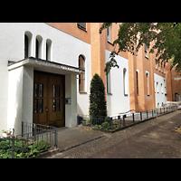Berlin - Charlottenburg, St. Franziskus-Krankenhaus, Kapelle, Kapelleneingang