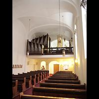 Berlin - Wilmersdorf, St. Gertrauden-Krankenhaus, Kapelle, Innenraum in Richtung Orgel