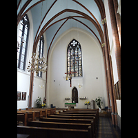 Berlin - Mitte, St. Hedwig-Krankenhaus (Alexianer), Marienkapelle, Innenraum in RIchtung Altar