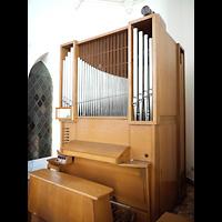 Berlin - Mitte, St. Hedwig-Krankenhaus (Alexianer), Marienkapelle, Orgel seitlich