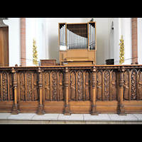 Berlin - Mitte, St. Hedwig-Krankenhaus (Alexianer), Marienkapelle, Orgel mit geschnitztem Gitter